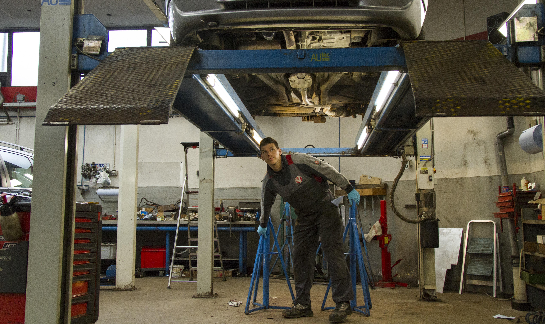 onderhoud reparatie apk utrecht autoweerd auto garage vakgarage