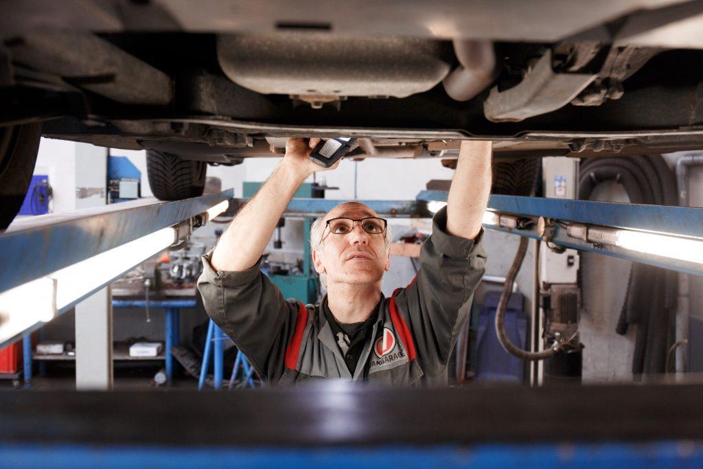 vakgarage autoweerd utrecht garage auto onderhoud reparatie apk